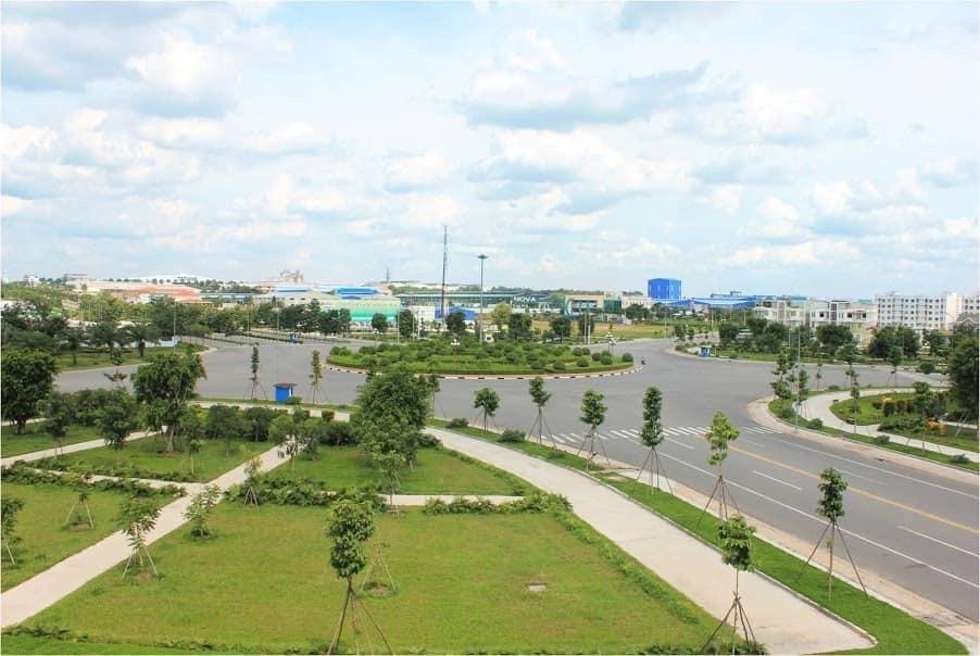 Gia đình tôi về quê cần bán lại miếng đất 95m2 ngay chợ Vĩnh Tân, mặt đường ĐT 742