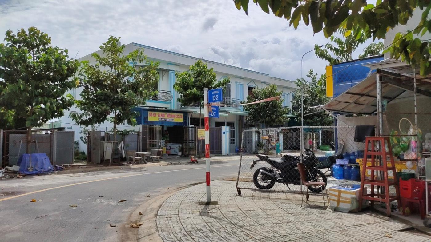 Bán gấp lô đất ngộp ngay đối điện khu công nghiệp, ngay sát bệnh viện Tân Nam Uyên.